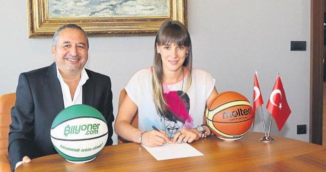 Nevena Jovanovic YDÜ'ye imzayı attı