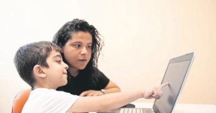 Özel çocuklar için 5 farklı dilde eğitim
