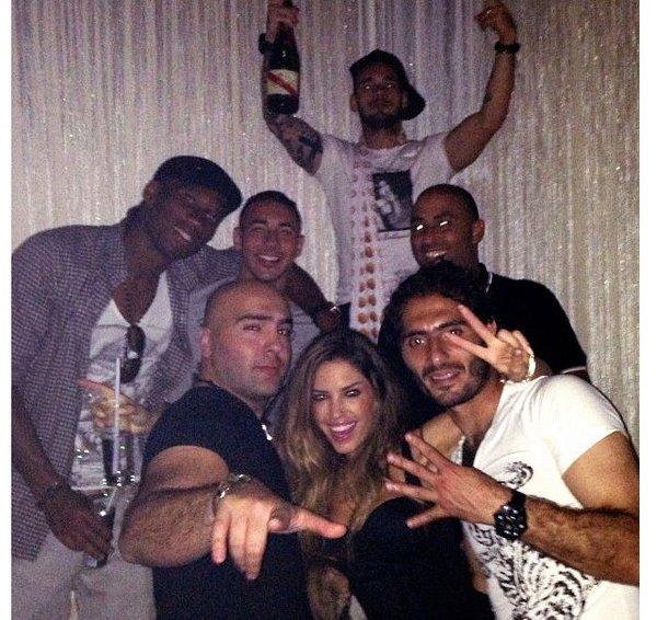 Şampiyonluğu Reina'da kutladılar