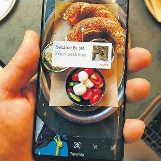 Yemeğin kalorisinde telefonun gözü var