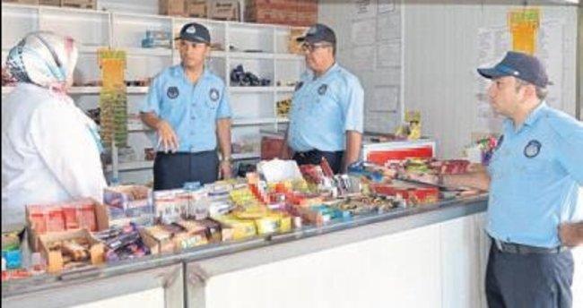 Kumluca'da zabıta kantinleri denetledi