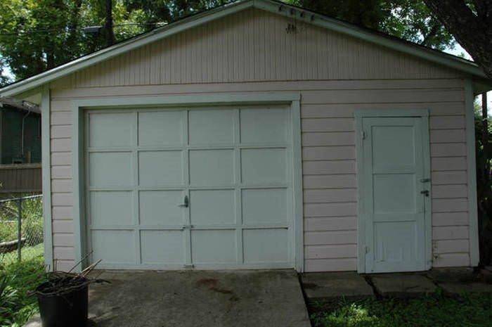 Garajı lüks bir eve çevirdiler