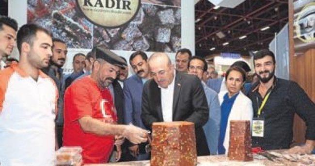 Yöresel ürünlere Çavuşoğlu ilgisi