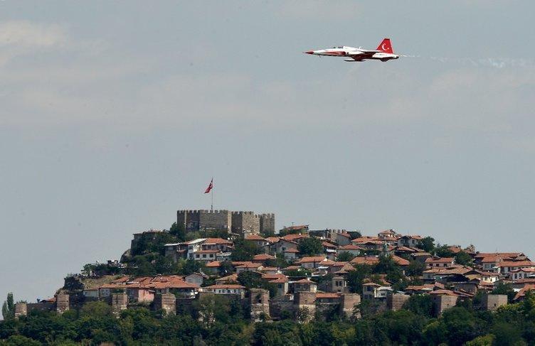 Türk Yıldızları nefesleri kesti
