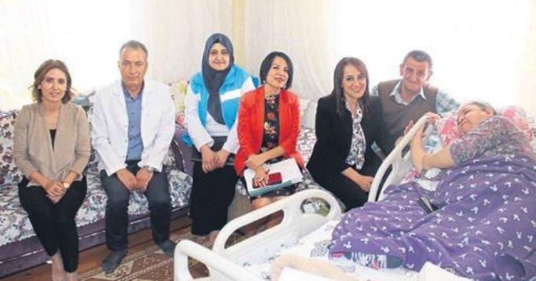 Sağlık Müdürlüğü hastaları ziyaret etti