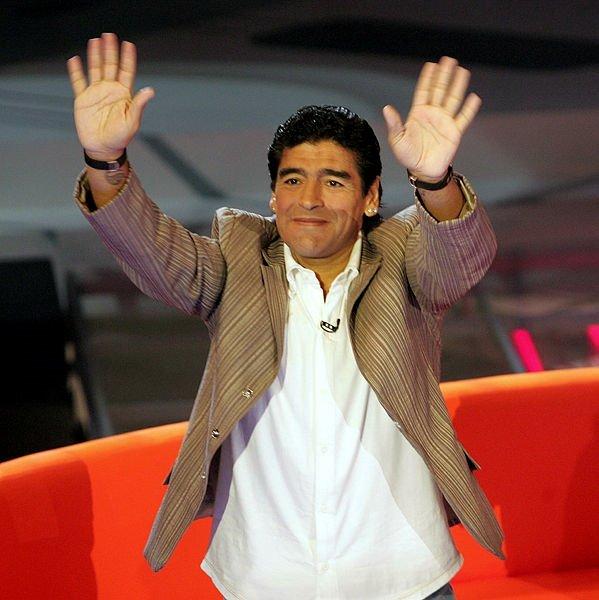 Futbol dünyasından Maradona geçti! İşte efsanenin unutulmaz kariyeri