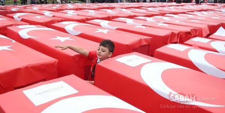 Dünyaca ünlü tarihi meydanda 251 tabut! 15 Temmuz...
