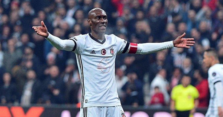 Beşiktaş'ta Atiba Hutchinson istikrarını yitirdi