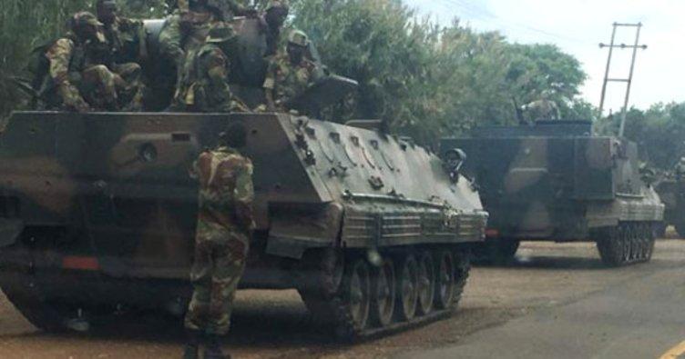 Zimbabve'de tanklar başkente doğru ilerliyor