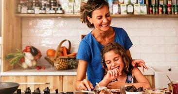 Çocuklar için evde kolaylıkla hazırlayabileceğiniz 10 sağlıklı atıştırmalık!