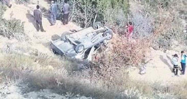 Devrilen araçtaki küçük çocuk öldü