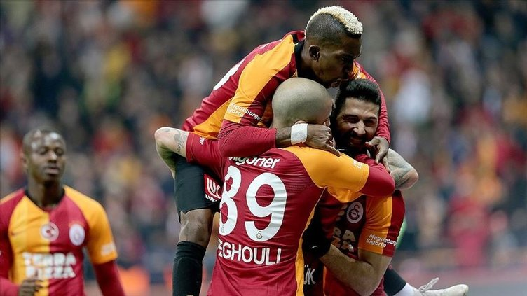 Asamoah yarışı kızışıyor! Fenerbahçe ve Galatasaray...