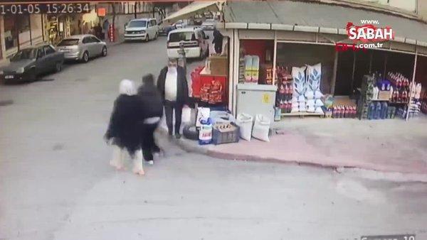 Anne- kız, 'komşunuz' diyerek evine girdikleri yaşlı kadının parasını gasbetti | Video