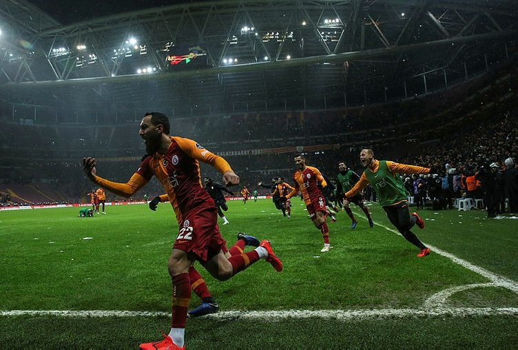 Galatasaray transfer haberleri: Fatih Terim takımdan ayrılacak 3 ismi belirledi