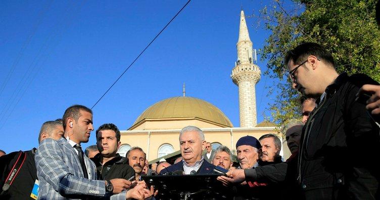 Başbakan Yıldırım'dan Bayram namazı çıkışı açıklama