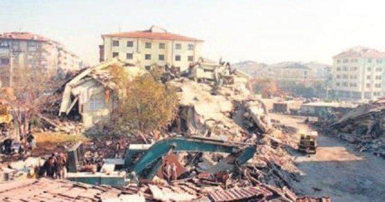 Düzce Depremi şiddeti ne kadardı? 12 Kasım 1999 Düzce depreminin yıl dönümü...