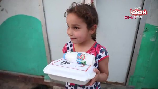 Mesut Özil'den, Suriyeli yetimlere iftar sofrası | Video