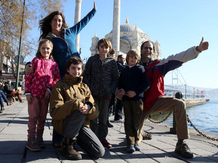 Dünyayı dolaşan aile Türkiye'de