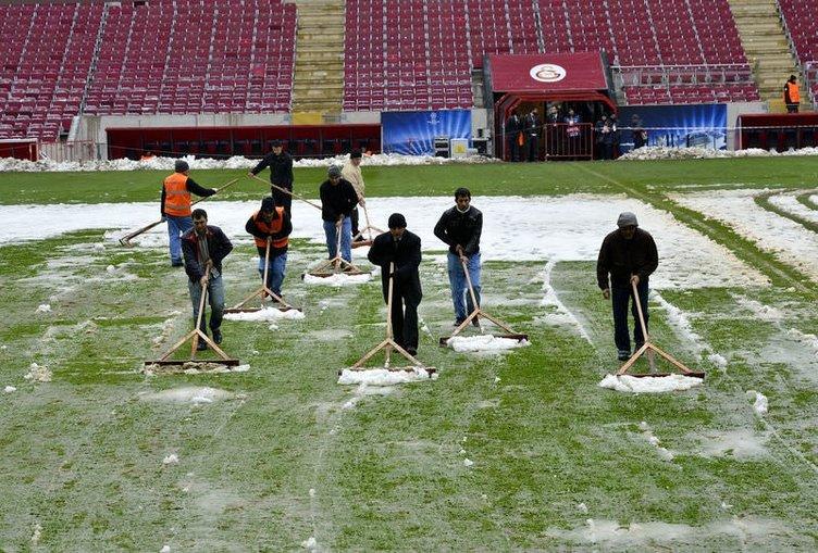 TT Arena'da karlar temizlendi ama...