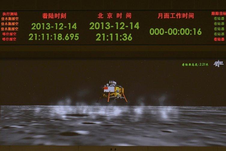 Ay'dan gelen ilk fotoğraflar