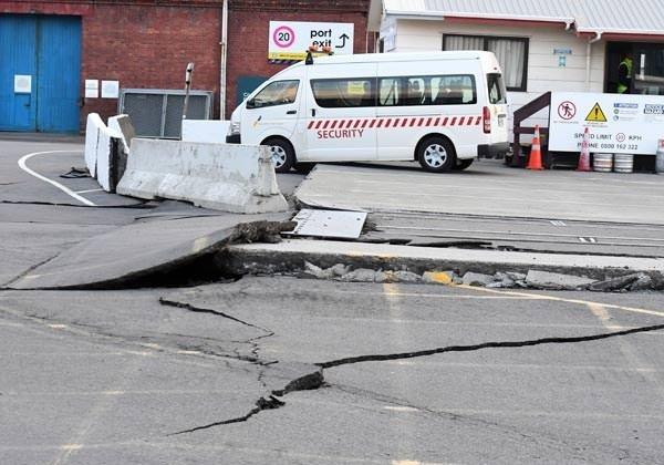 Yeni Zelanda'daki depremin boyutu gün ağarınca ortaya çıktı