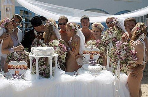Новинки русских свадебных оргий, женщина кончает от руки видео