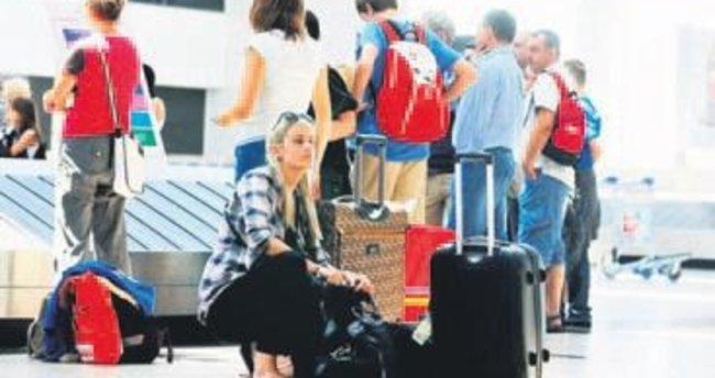 Antalya'ya 12 günde 30 bin turist geldi