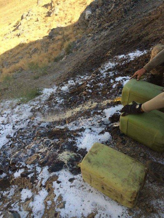 Çukurca'da PKK'lı hainlere ait mühimmatları ele geçirdi
