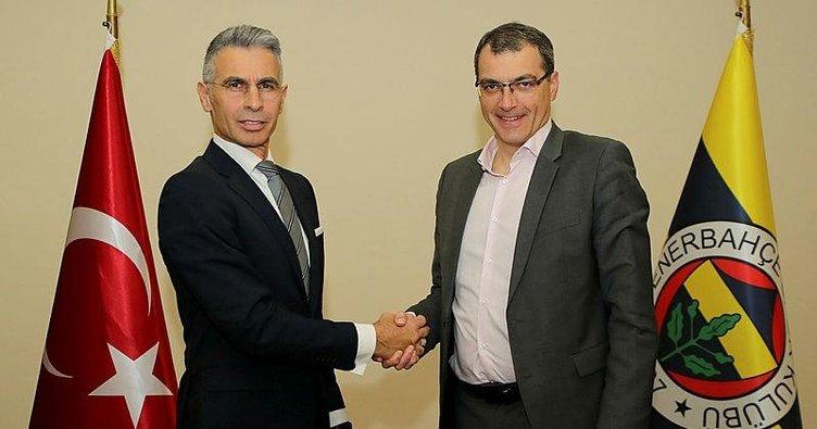 Trabzonspor'un efsanesi resmen Fenerbahçe'de!