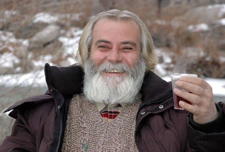 Yeşilçam'ın usta oyuncusu Tarık Akan hayatını kaybetti