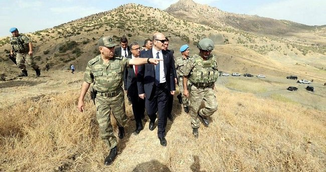Bakan Soylu çatışma bölgesinde