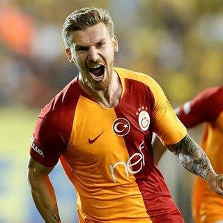 Fenerbahçe devreye girdi Serdar Aziz'le söz kesti