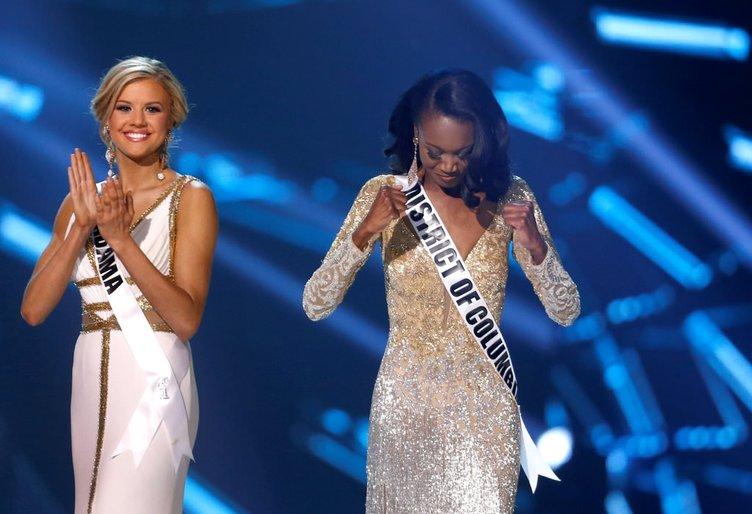 Güzellik yarışması birincisi  tacını devralırken gözyaşlarına boğuldu