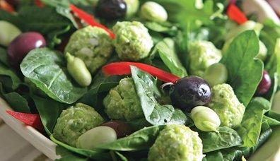 İç Baklalı Ispanak Salatası