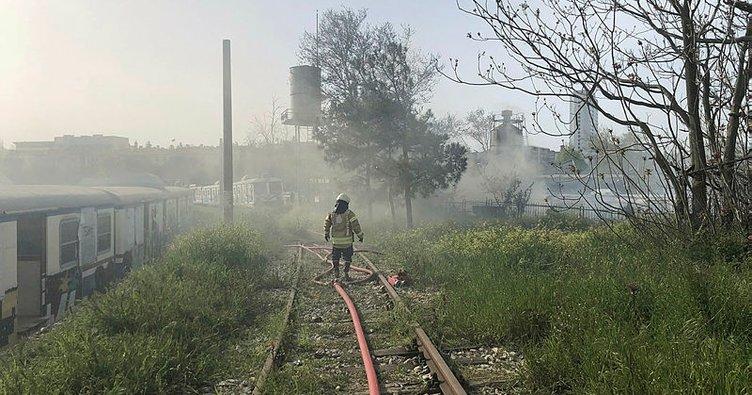 Son dakika: Haydarpaşa Garı'nda vagonlarda yangın çıktı