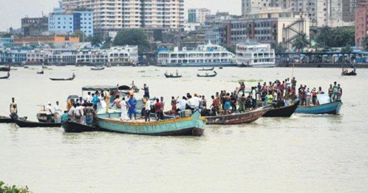 İki tekne kazası 40'tan fazla kayıp
