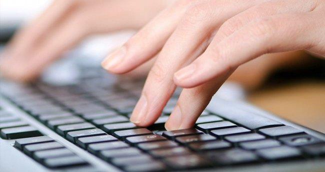 Yalnız nasıl yazılır? Doğru yazımı yanlız mı, yalnız mı? TDK ile doğru yazılışı
