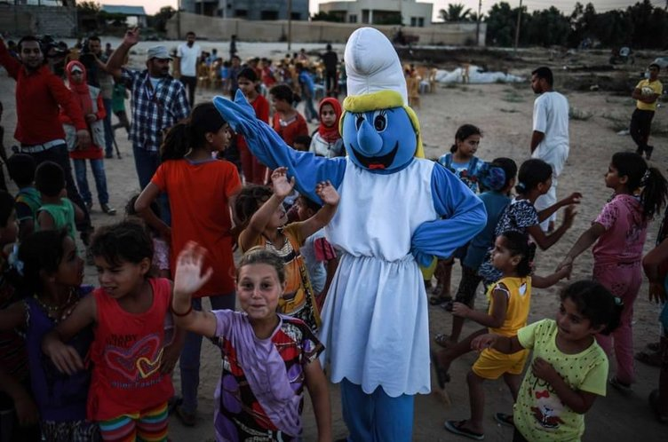 Gazzeli çocuklara eğlenceli etkinlik