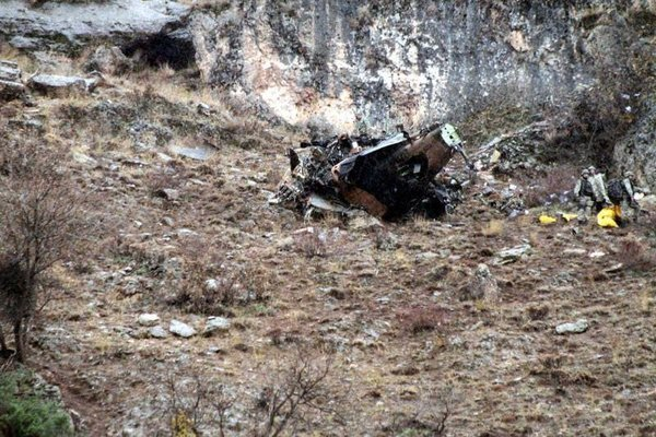 Siirt'te düşen askeri helikopterin ilk görüntüleri