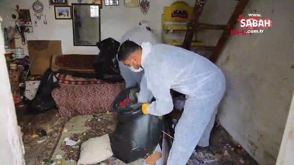 Yalnız yaşayan Elif teyzenin evinden 2 kamyonet çöp çıktı | Video