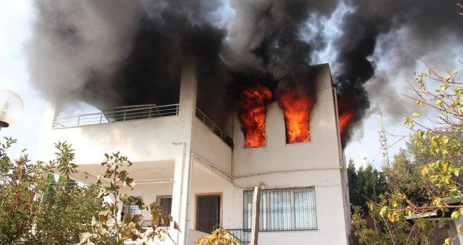 Bodrum'da ev yangını: 1 ölü, 3 yaralı