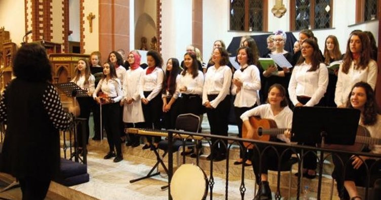 İstanbullu gençler Wiesbaden'i büyüledi