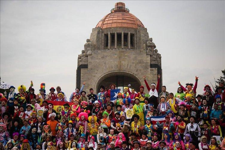 Meksika'da Palyaço Şenliği