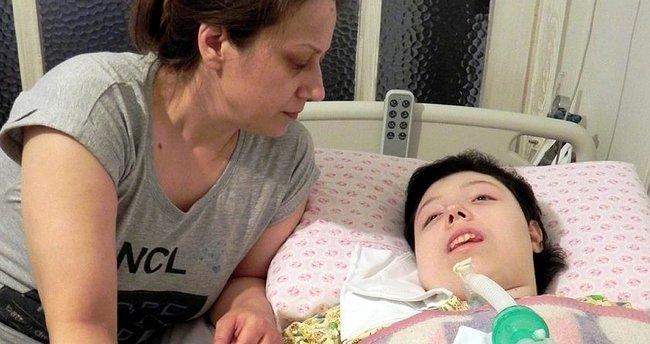 Annenin NCL hastası kızını yaşatma mücadelesi