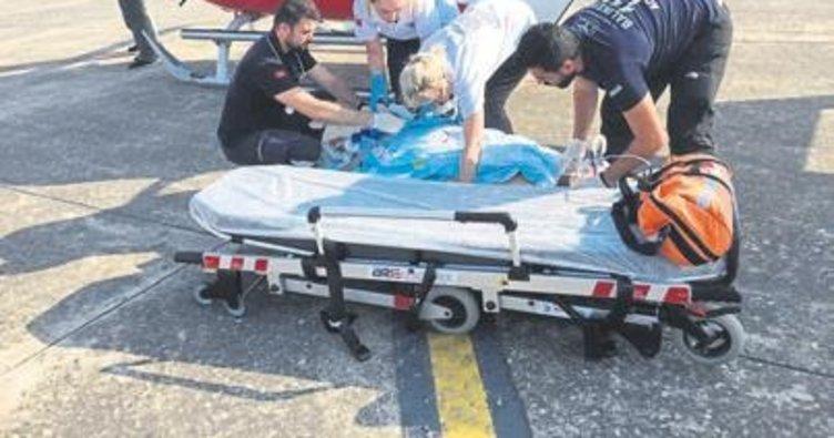 Ambulans, hasta A.T. için havalandı
