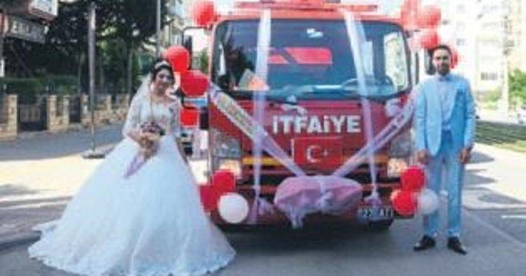 Gaziantep'te telli duvaklı itfaiye aracı