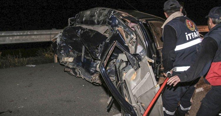 Hamile kadın ve 2 çocuk kazada öldü