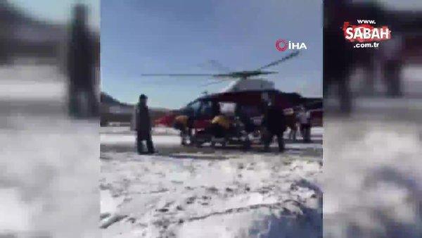 Hava ambulansı karla kaplanan yola inip hasta nakli gerçekleştirdi | Video