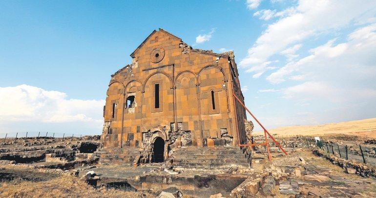Ani'de Rus arkeoloğun izinde