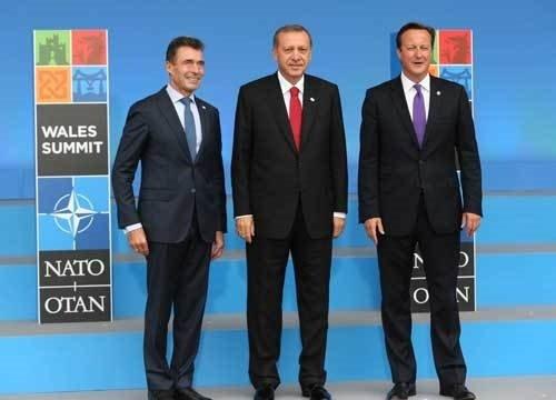 Erdoğan aile fotoğrafında ön sırada